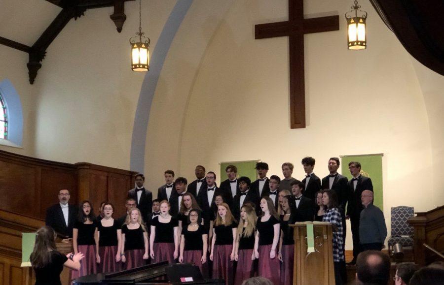 Huron A Capella Choir performs despite storm