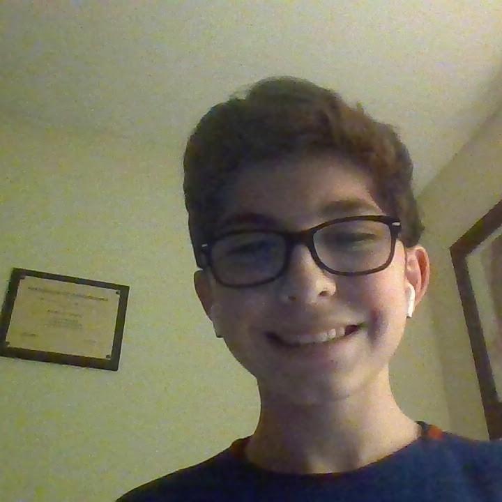 Freshman Friday: Esteban Mercado